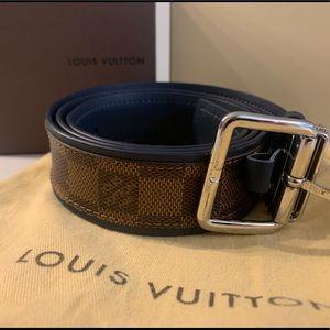Louis Vuitton Damier Men's Belt - Size 34 M9568